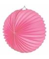 Roze gekleurde feest lampionnen