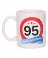 Beker / mok 95 jaar verkeersbord
