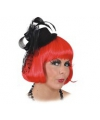 Zwart hoedje met tule en haarclips
